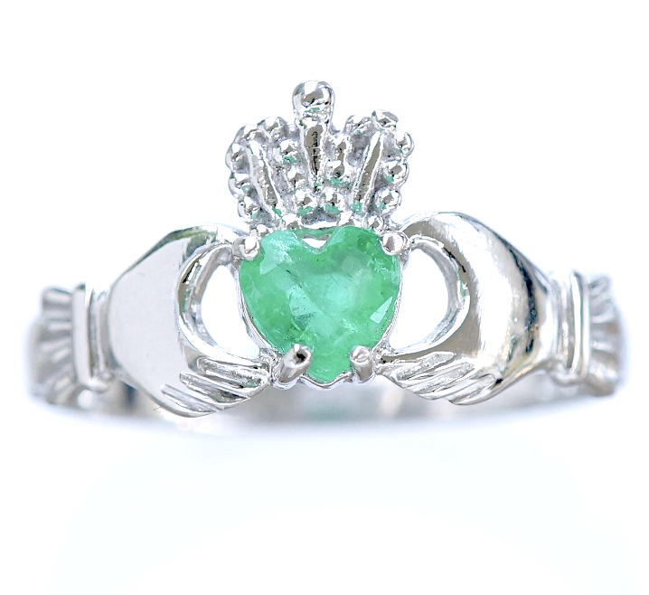Emerald Claddagh Ring Irish Jewel